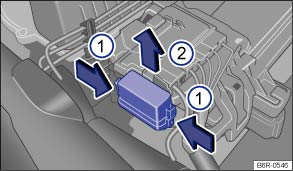 Volkswagen Polo Owners Manual - Fuses in the vehicle - Fuses on vw polo engine, vw polo steering column, vw polo tail light, vw polo horn, vw rabbit fuse box, vw eos fuse box, vw polo tie rod, vw touareg fuse box, vw golf fuse box, vw jetta fuse box diagram, vw bus fuse box, vw passat fuse box, vw beetle fuse box diagram, vw tiguan fuse box,